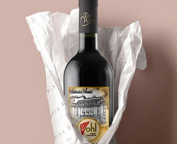 Eticheta vin autocolant